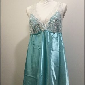 Flora Women's Light Blue Lingerie.  Size XL